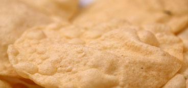 keropok tajmahal pappadam : traditional frying